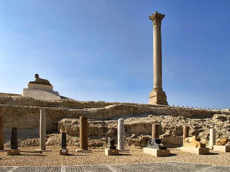 Колонна Помпея в Египте