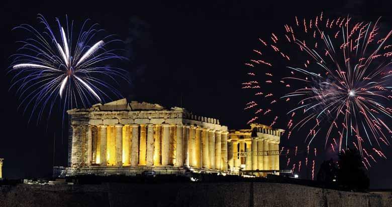Новогодние фейерверки в Афинах