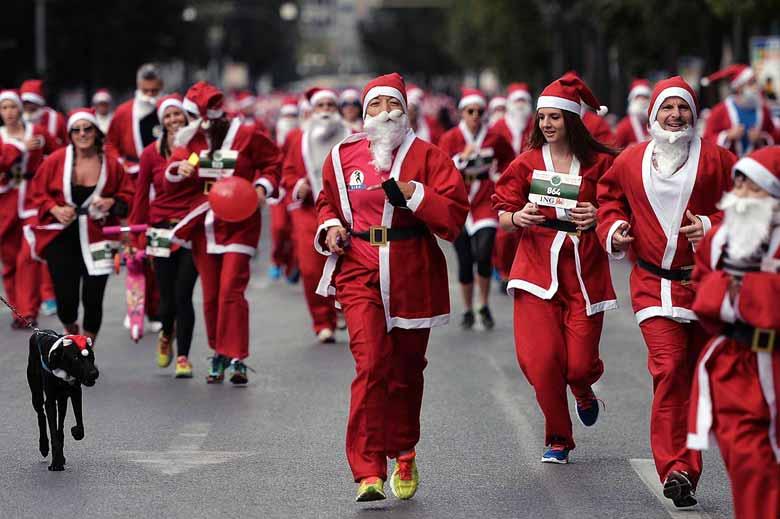 забег Санта-Клаусов в Литве