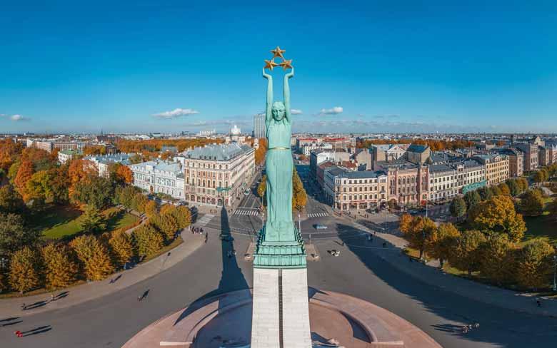 Памятник свободы в Латвии