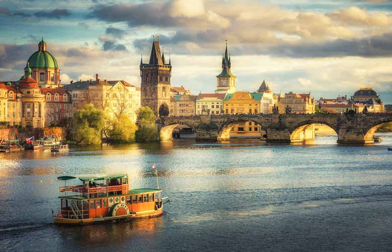 Карлов мост в Праге - история и легенды