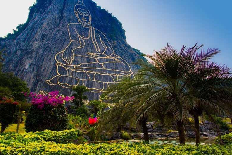 Золотая гора в Паттайе