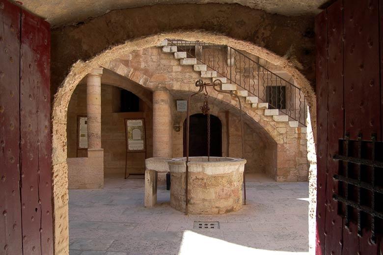 Внутренний дворик замка Иф