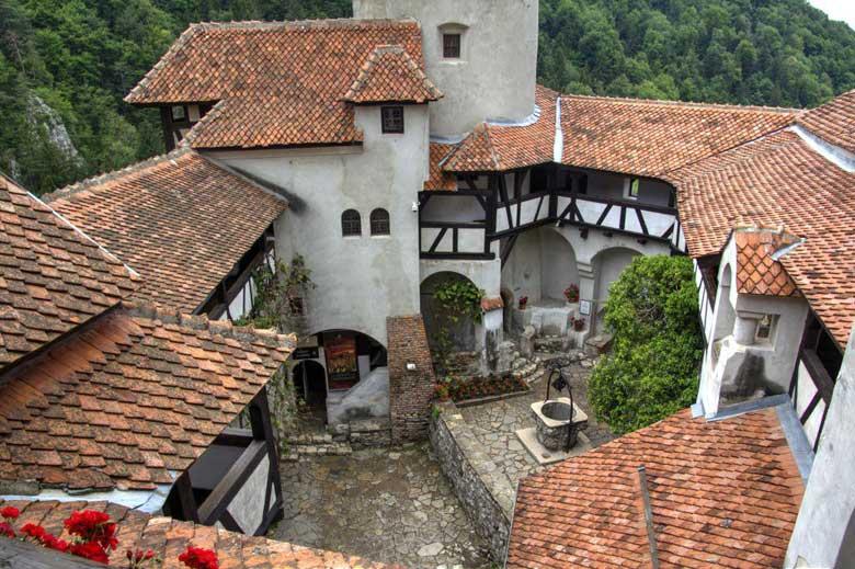 Внутренний дворик замка Дракулы