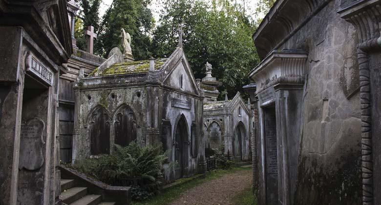 Хайтгейсткое кладбище - готическая атмосфера