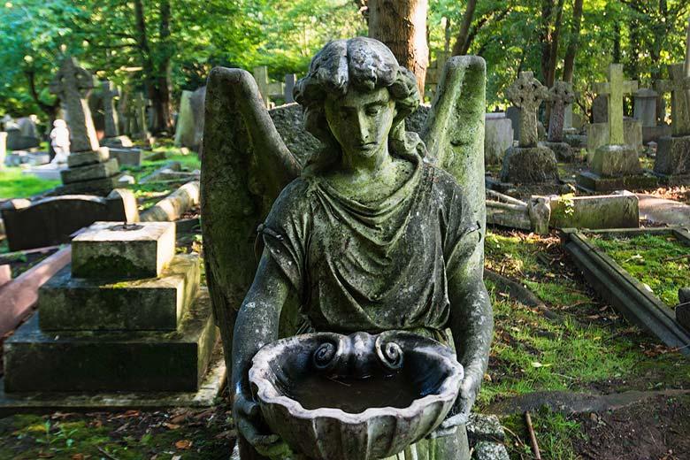 Ангел на Хайгейтском кладбище
