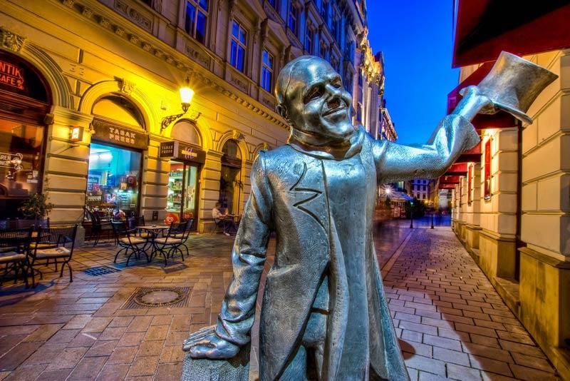 Красавчик Наци, Братислава