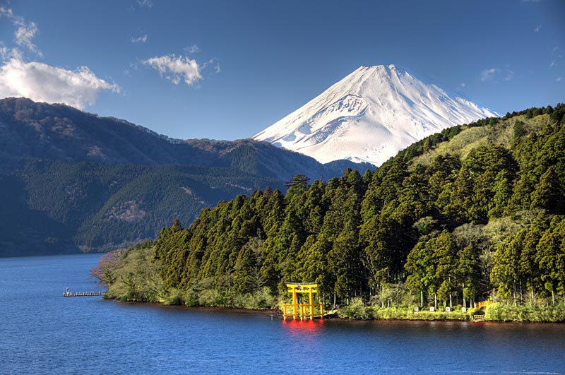 Озеро Асиноко в Японии