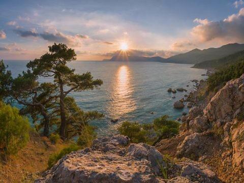 Пляж Инжир в Крыму