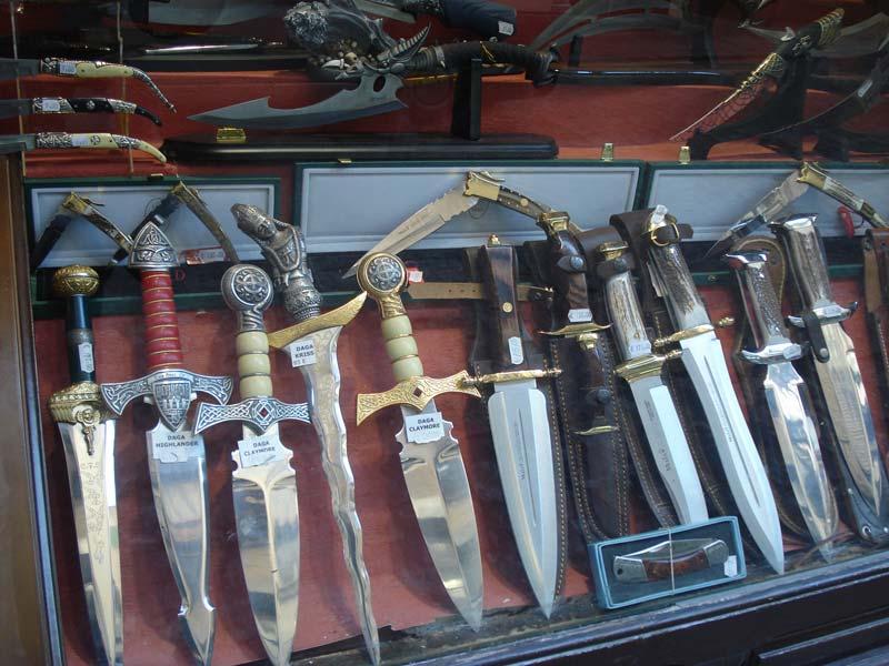 Сувенирное оружие из Испании