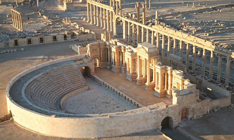 Вид на древний город Пальмира в Сирии