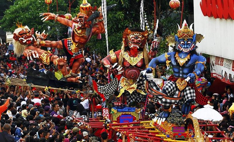 Новогодние традиции на Бали