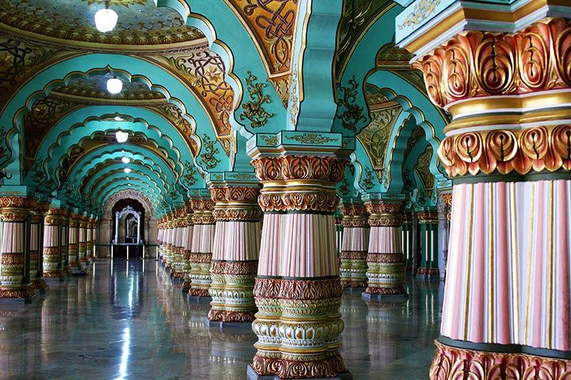 Внутри Майсурского дворца