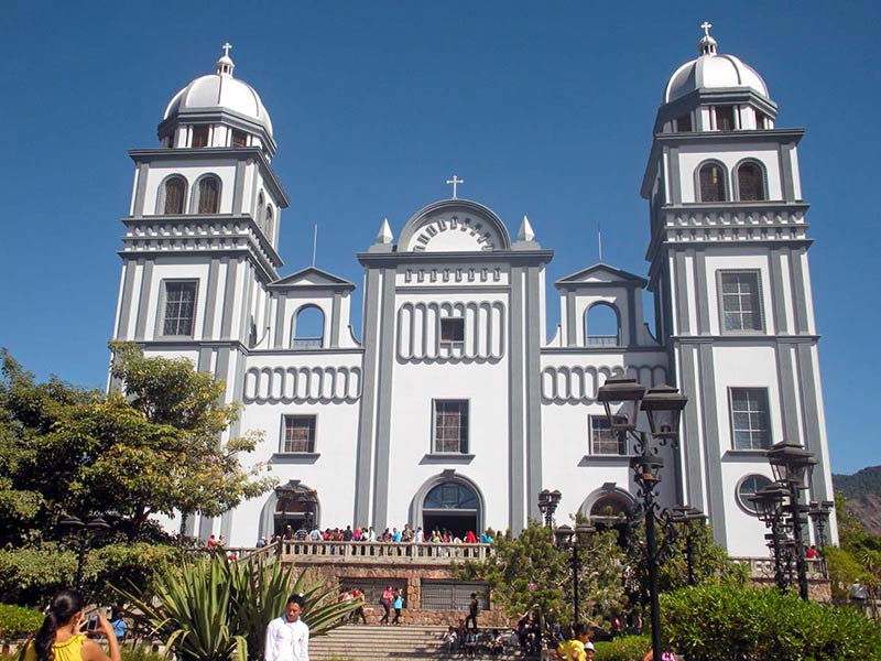 Церковь Санта-Лусия в Гондурасе