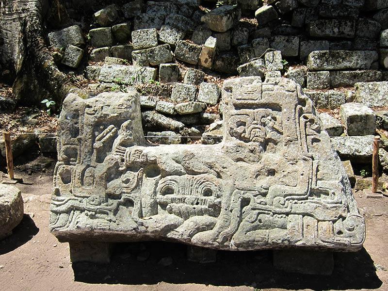 Скульптуры Копан